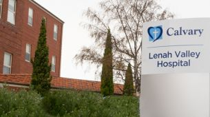 Sign to Lenah Valley Hospital