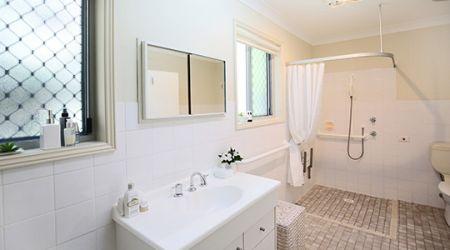 Calvary St Luke's - Bathroom
