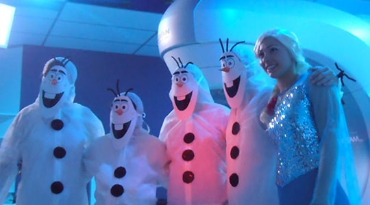 Nurses and doctors dress up as Elsa and Olaf